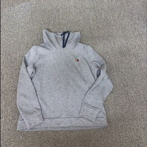 Tommy Hilfiger Size Large Gray Cowl Neck Hoodie
